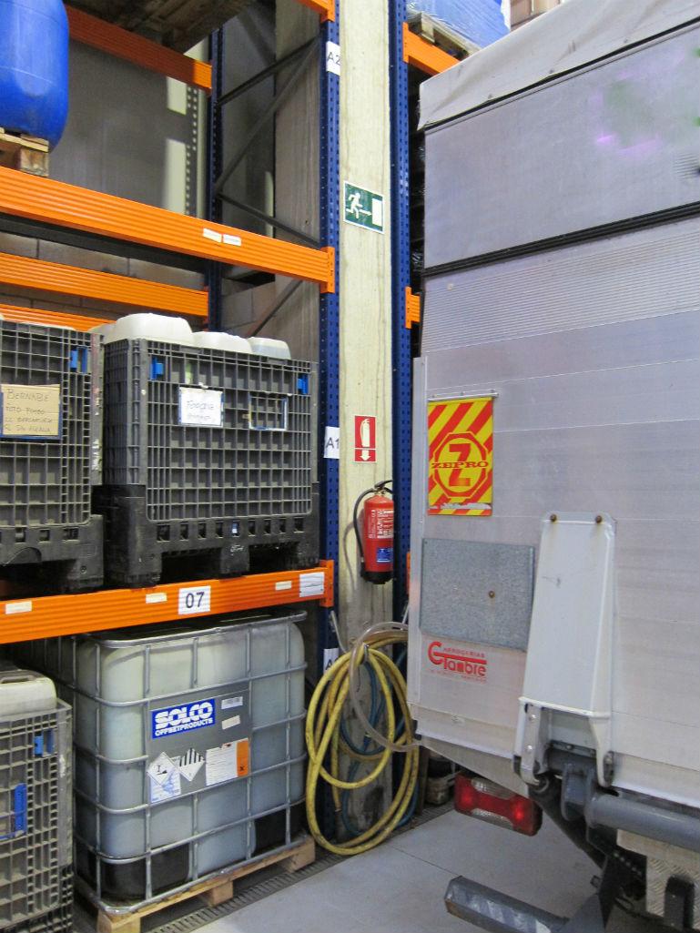 Almacenamiento de residuos, productos y sustancias químicas